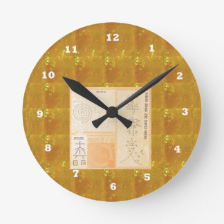 REIKI Healing Gold : Symbols Signs CRYSTAL Gold Round Clock