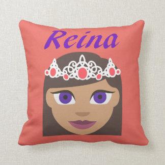 Reina (Queen) Throw Pillow