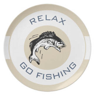 RELAX AND GO FISHING PLATE