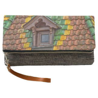 Remarkable roofing in the center of Obernai Clutch