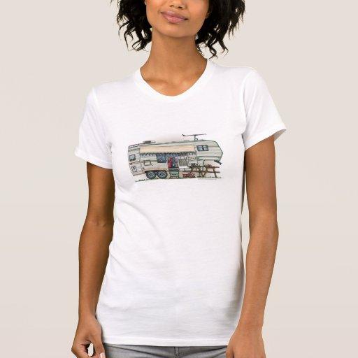 Remorque mignonne de voyage de campeur de cinquièm t-shirt