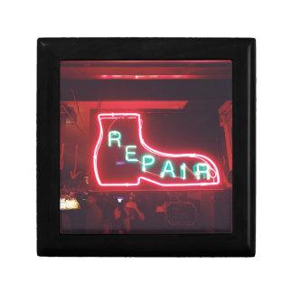 Repare Neon Sign NYC Gift Box