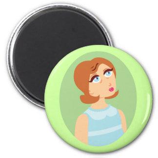 Rétro bleu de fille magnet rond 8 cm