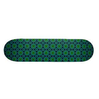 Retro daisies - kind Deco in green blue black Skateboard