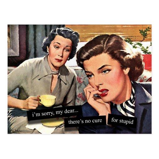 """Rétro femme au foyer des années 1950 """"aucun traite carte postale"""