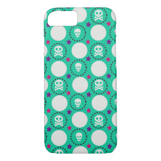 Retro Fun Green Skull Pattern iPhone 7 Case