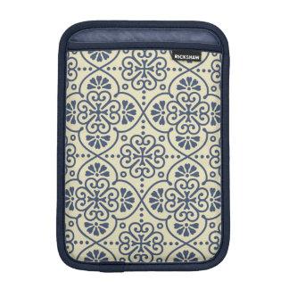 Retro geometric floral ornamental pattern iPad mini sleeve