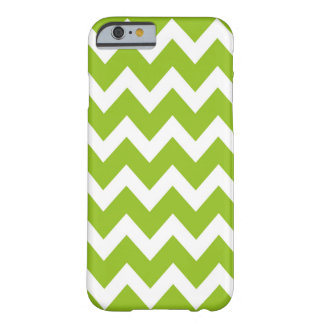 Retro GREEN Zig Zag Pattern Barely There iPhone 6 Case