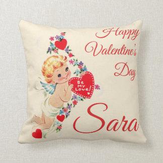 "Retro ""Happy Valentine's Day"" Cherub Personnalised Throw Pillow"