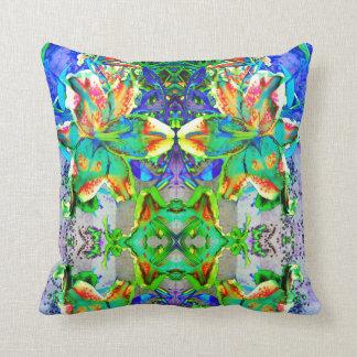 Retro kiwi Lily Mandala Throw Pillow