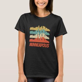 Retro Minneapolis MN Skyline Pop Art T-Shirt