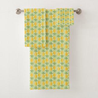 Retro Pineapples Bath Towel Set