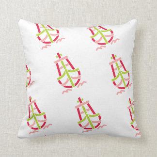 Retro_Ship_Logo-CL21 Throw Pillow