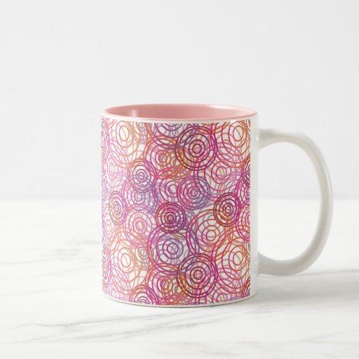 Rétro tasse de motif rose de bulles