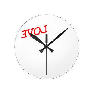 revolution round clock