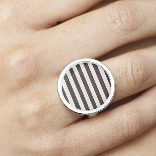 Ring : old-striped edition Black and white