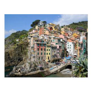 Riomaggiore village in Cinque Terre, Italy Postcard