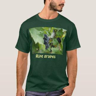 Ripe grapes T-Shirt
