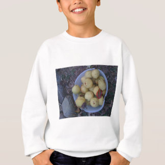 Ripe pears, and a weird leaf sweatshirt