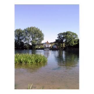 River Thames, Bourne End, Bucks, UK Postcard