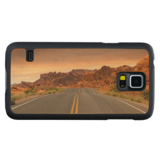 Road trip sunset carved maple galaxy s5 case