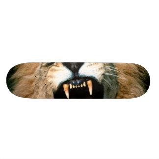 Roaring Lion Skateboard