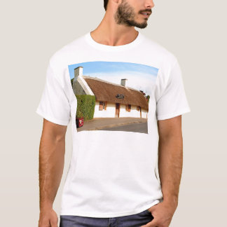 Robert Burns cottage, Alloway, Scotland T-Shirt