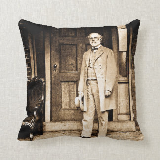 Robert E. Lee in Richmond Virginia Civil War Throw Pillow