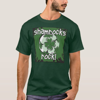 Roche de shamrocks ! Chemise du football T-shirt