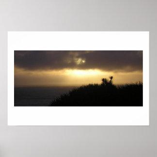 Roches de crêpe au crépuscule, NZ de côte ouest Poster