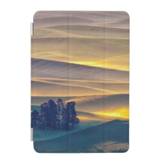 Rolling Hills of Wheat at Sunrise   WA iPad Mini Cover