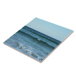 Rolling Ocean Waves Tile