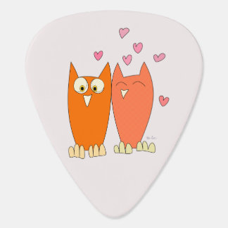 Romantic couple of funny owls guitar pick