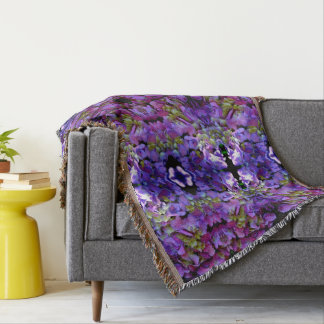 Romantic purple  Hydrangeas mandala Throw Blanket