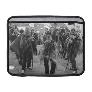 Romeiros pilgrims MacBook sleeve