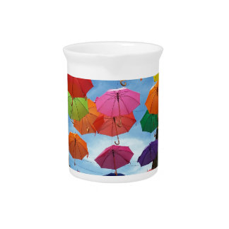 Roof of umbrellas pitcher