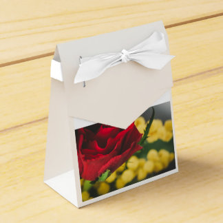 Rose and mimosas favor box