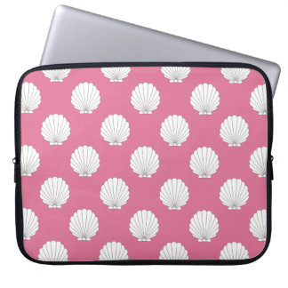 Rose Pink | White Clamshells Seashells Pattern Laptop Sleeve