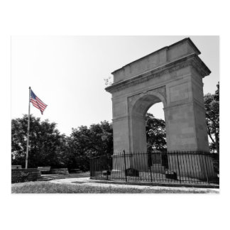 Rosedale Memorial Arch and Flag, Kansas City, BW Postcard