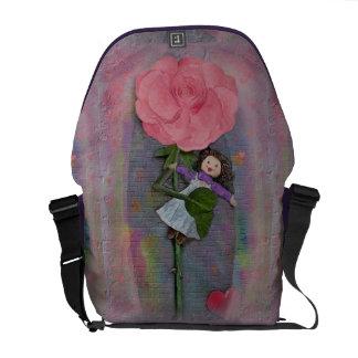 Rosegifts Ragdoll Rose medium messenger bag