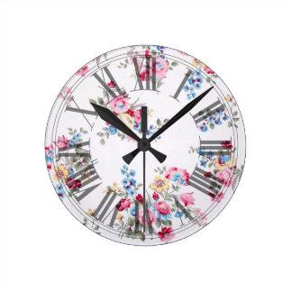 Roses anglais vintages de jardin de PixDezines Horloge Ronde