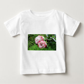 roses baby T-Shirt