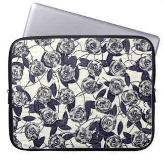 Roses in Bluem Laptop Sleeve