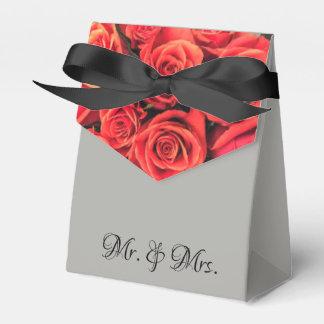 Roses Mr & Mrs Wedding Tent Favor Box