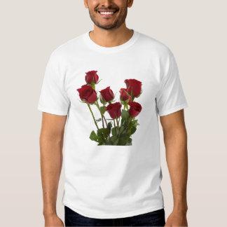 Roses rouges de longue tige t-shirt