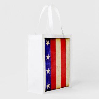 Rouge, blanc et bleu sacs d'épicerie réutilisables