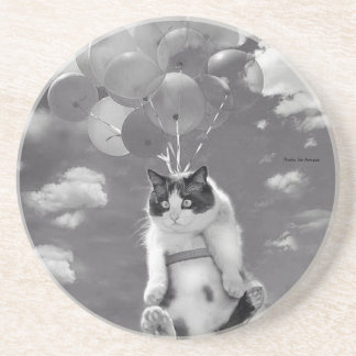 Round Coaster: Funny cat flying with Balloons Coaster