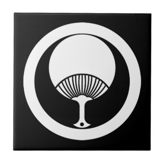 Round fan in circle ceramic tile
