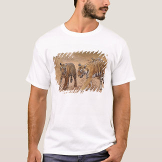 Royal Bengal Tigers on the move, Ranthambhor 2 T-Shirt