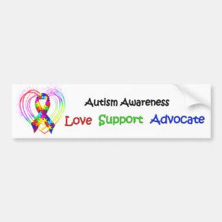 Ruban d'autisme sur le coeur autocollant de voiture